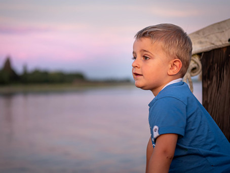 """""""D'un enfant le sourire agrandi l'univers"""" Charles de Leusse"""