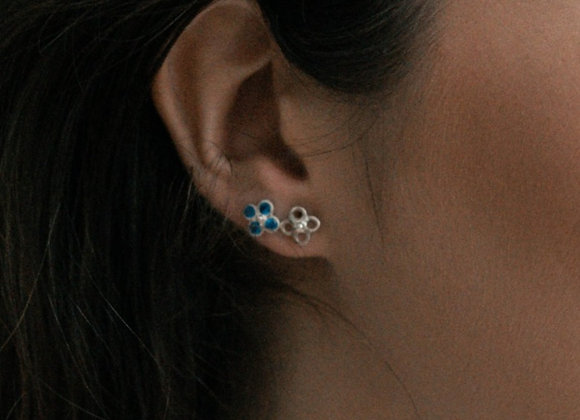 Single Fiore with gemstones studs