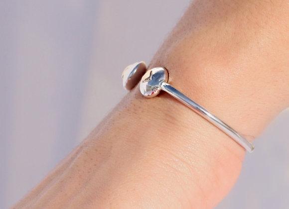 Oro 14k y 950 Plata Esterlina 'Heart-to-Heart' cuff