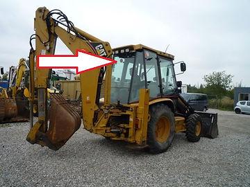 Стекло для экскаватора погрузчика Caterpillar 428 D Стекло для экскаватора погрузчика Caterpillar 432D стекло заднее верхние (закаленное)