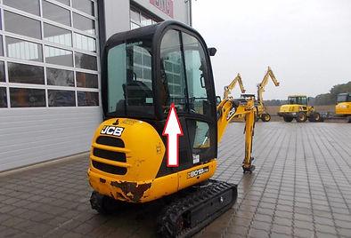 Стекло кузовное заднее правое  для мини экскаватора JCB 8018 cts