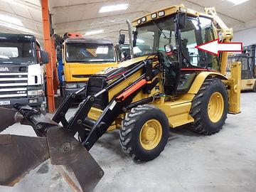 Стекло для экскаватора погрузчика Caterpillar 428 D Стекло для экскаватора погрузчика Caterpillar 432D  стекло дверное верхнее левое