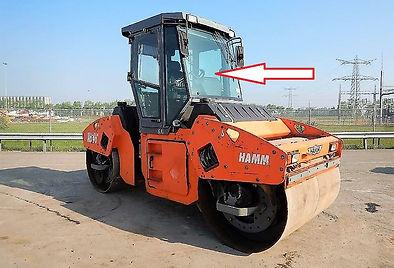 Стекло лобовое каток Hamm HD 90 ,Стекло лобовое каток Hamm HD 110 стекло лобовое средние (закаленное)
