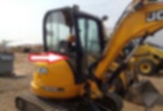 Стекло кузовное правое нижнее для мини экскаватора JCB 8035 zts