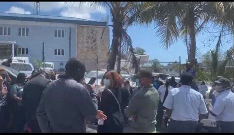 ZNS workers walk off the job too