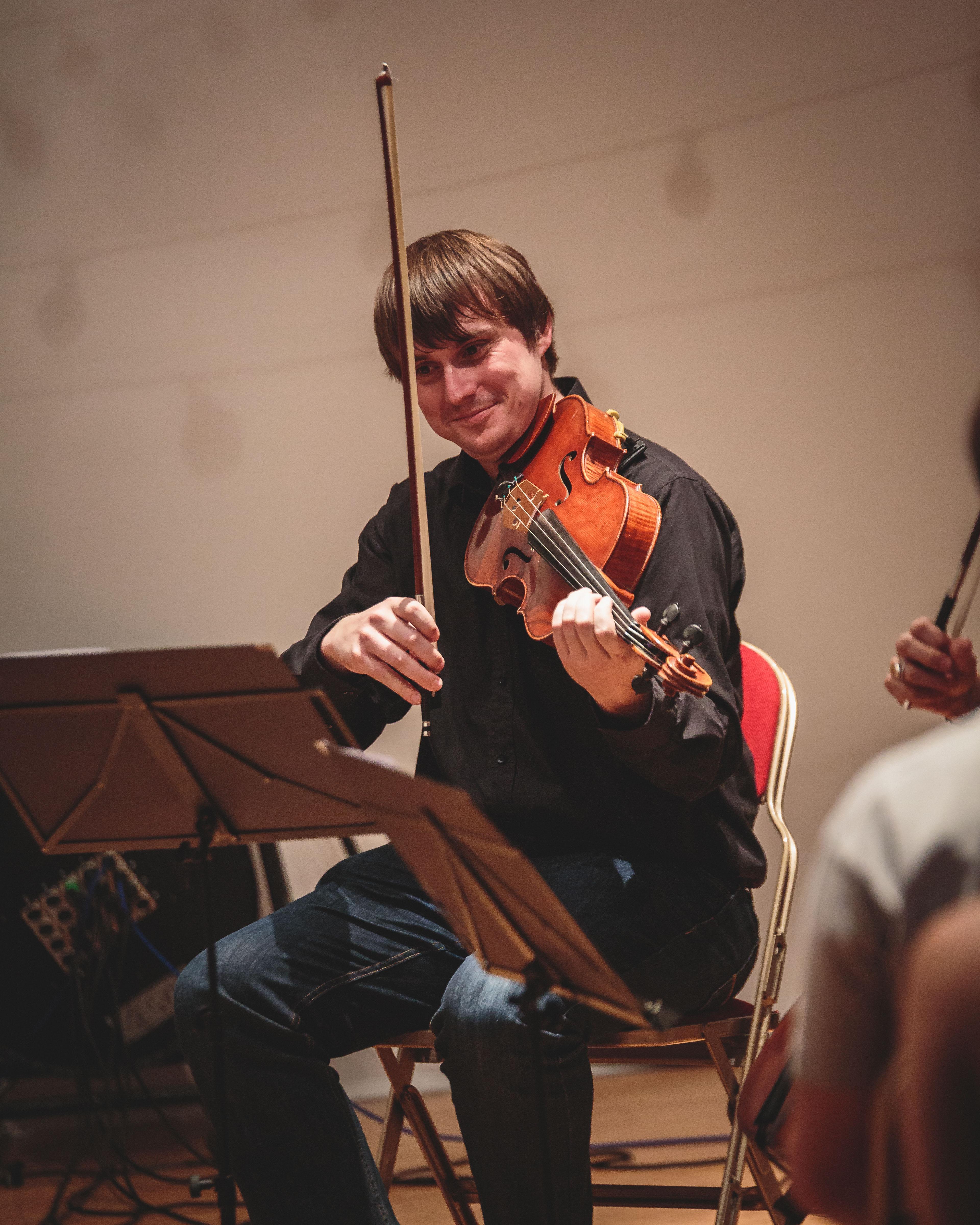 Peter Mallinson on viola