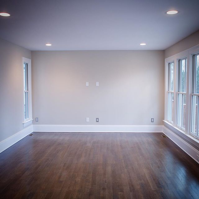 Beautiful living room right off of the kitchen #critlycontracting #livingroom #benjaminmoore #montcl