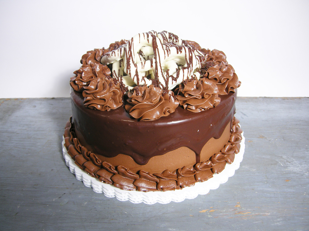 CHOCOLATE PRETZEL CAKE