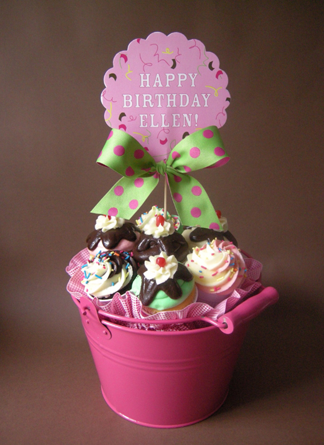 ICE CREAM CUPCAKE BOUQUET
