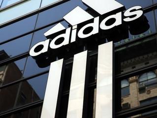 Adidas закрывает 40 магазинов в России