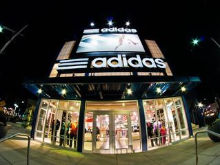 Выручка от онлайн-продаж Adidas достигла миллиарда