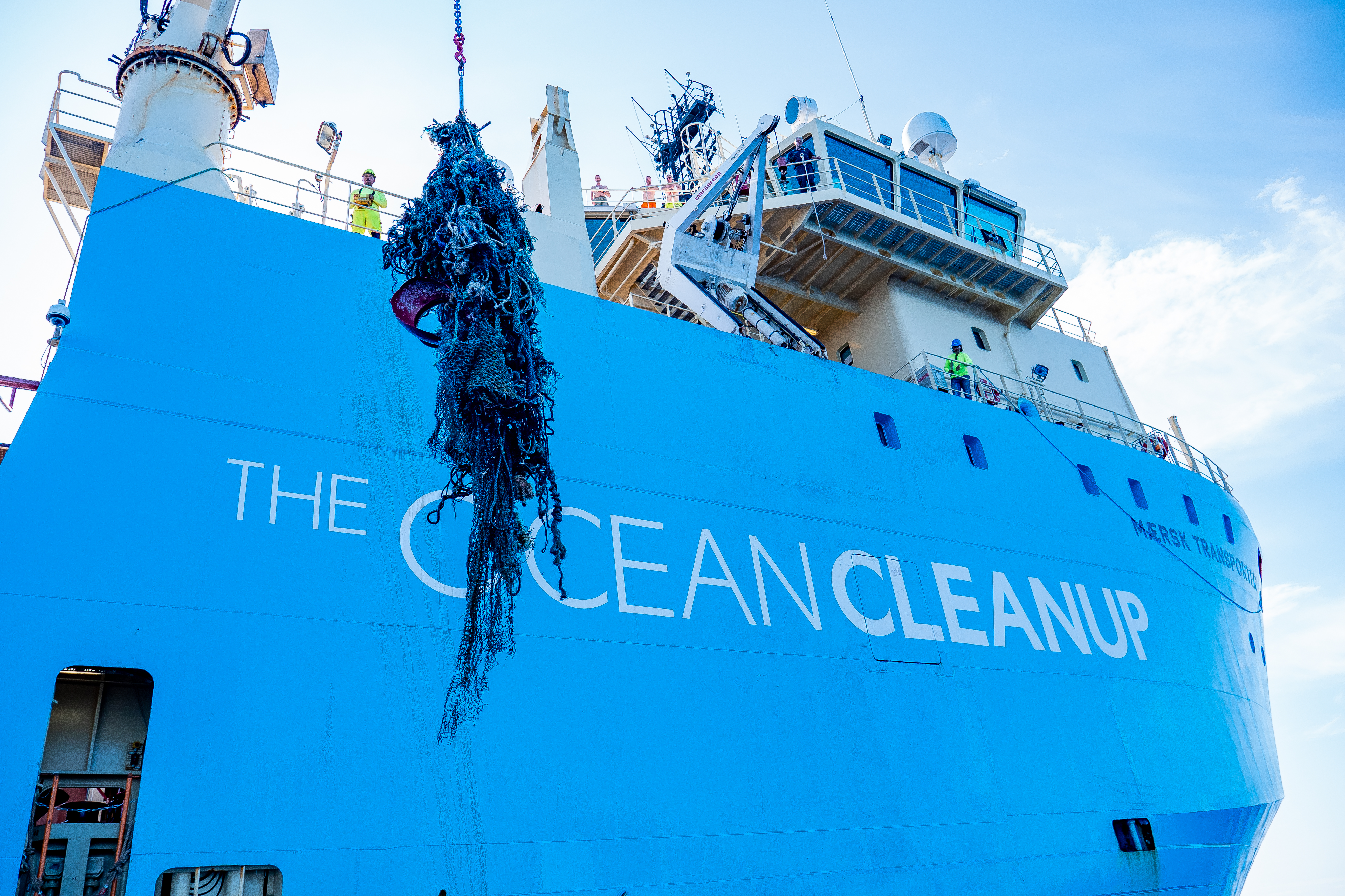 191212-The-Ocean-Cleanup-Mission-One-Com