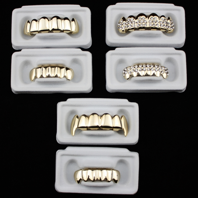Urban Heritage® Gold Grillz
