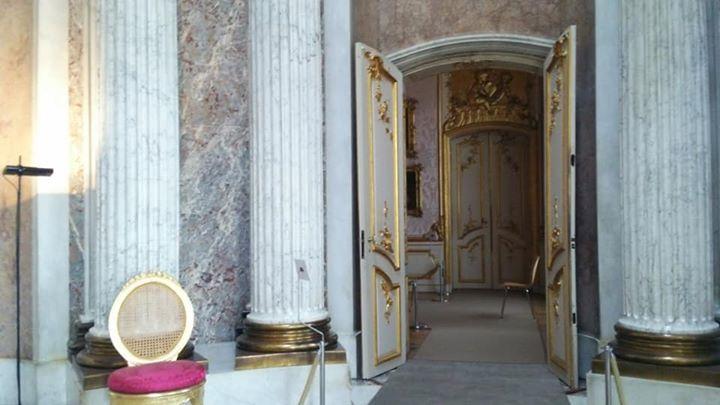 サン・スーシ宮殿_私の後ろのドアが次々と閉まる…