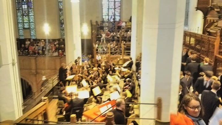 土曜日の聖トーマス教会でのコンサート終了直後_2階席より