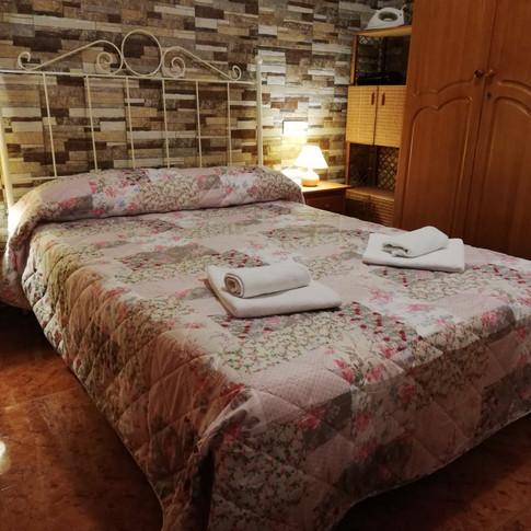Casa Rural Villa Belydana Dormitorio matrimonio 1 (Renovado) cama matrimonio 135 cm ancha x 190 cm larga