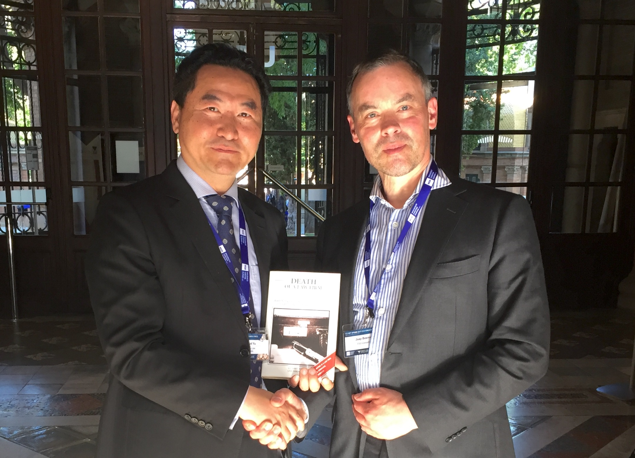 Jaap Bosman TGO Consulting with David Yu Shanghai Bar