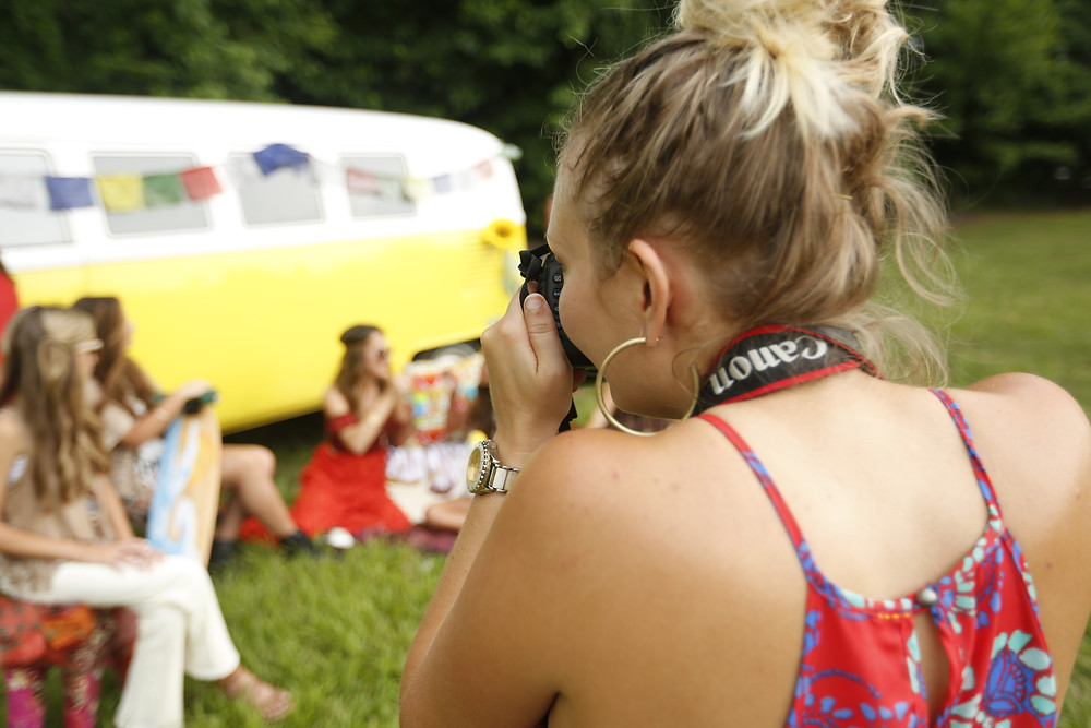 Jen Memory photographs high school students and pre-teens during Coachella-inspired shoot