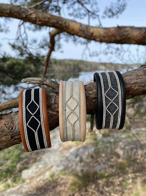 Wide bracelet -Jaarja