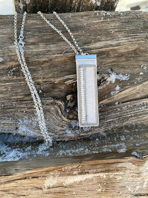 Snow light/ Kuenjidahke - Necklace