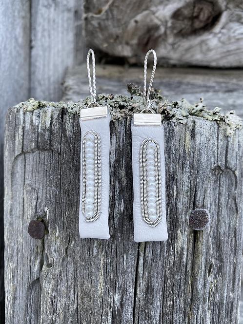 Snow light/ Kuenjidahke - Earrings