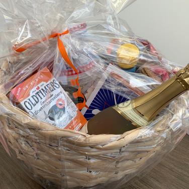 Dutch Food Basket