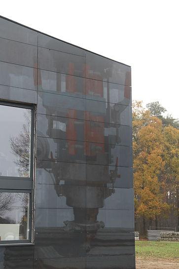 kampC_solar_facade.jpg