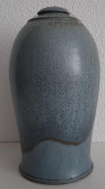 urn blauw loopglazuur groot.jpg