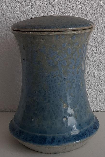 urn blauw groen kristal.jpg