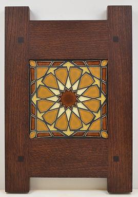 Framed Alhambra Motawi Tile in Oak Frame