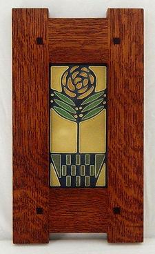 Motawi Checkerpot Rose Tile in Classic Oak Frame