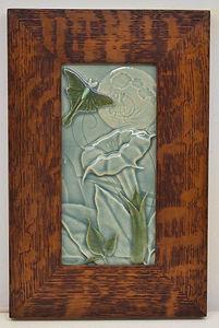Medicine Bluff Luna Tile in Mitered Oak Frame