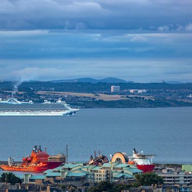 (738) Caribbean Princess Cruise Ship in