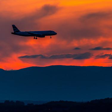 (1121) British Airways Flight on Approac