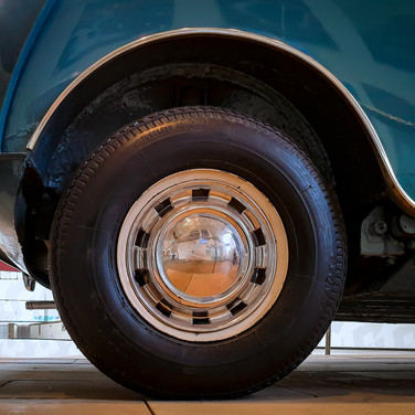 (1246) Wheel of Morris Mini Minor, LS771