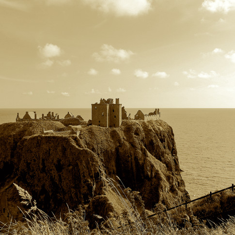 (250) Medieval fortress Dunnottar Castle