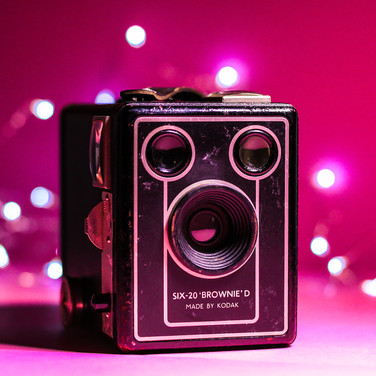 (940) SIX-20 _BROWNIE_ D Camera Made By