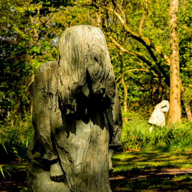 (570) Weeping Girls by Laura Ford, Jupit