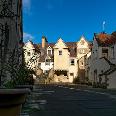 (972) White Horse Close, Canongate, Roya