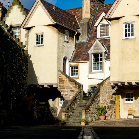 (973) White Horse Close, Canongate, Roya