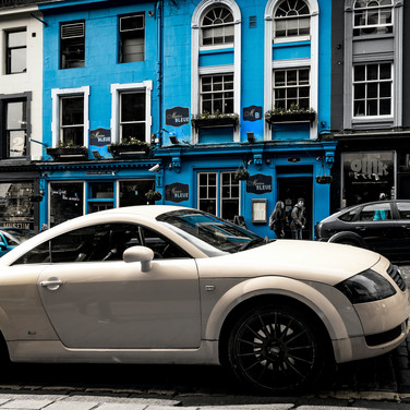 (1070) Audi Car, Victoria Street, Old To