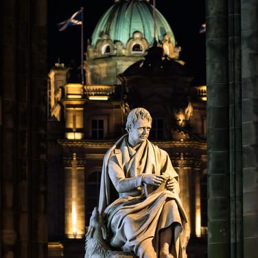 (938) Sir Walter Scott, Scott Monument a
