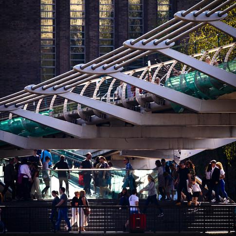(226) The Millennium Bridge and Tate Mod