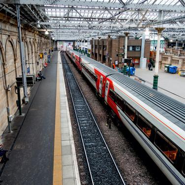 (359) Virgin Train at Edinburgh Waverley