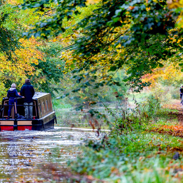 (269) Canal Boat on Union Canal passing