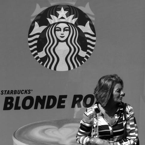 (169) Starbucks, Westminster, London, En