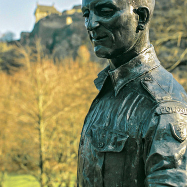 (1348) Bronze Statue of Polish Soldier w