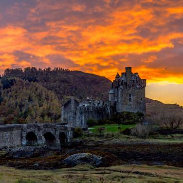 (289) Eilean Donan Castle at Sunset, Dor
