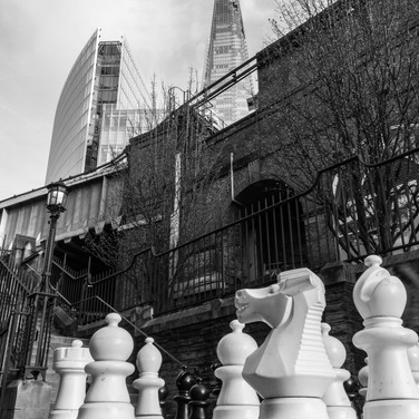 (72) Giant Chess Pieces in Southwark Cat