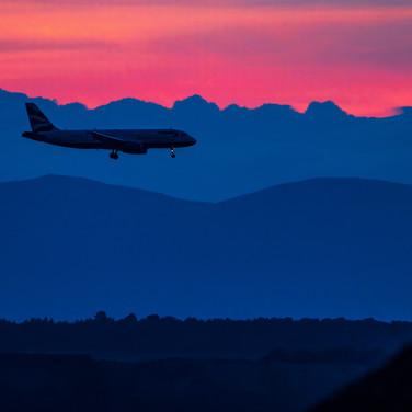 (1122) British Airways Flight on Final A